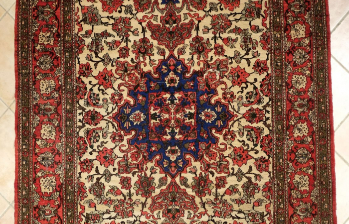 tapis ispahan perse tapis anciens kilims anciens. Black Bedroom Furniture Sets. Home Design Ideas
