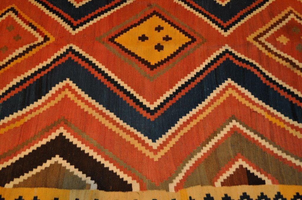 valeur et prix d un vieux tapis ou tapis ancien kilim ancien perse kachkai achat vente kilim. Black Bedroom Furniture Sets. Home Design Ideas
