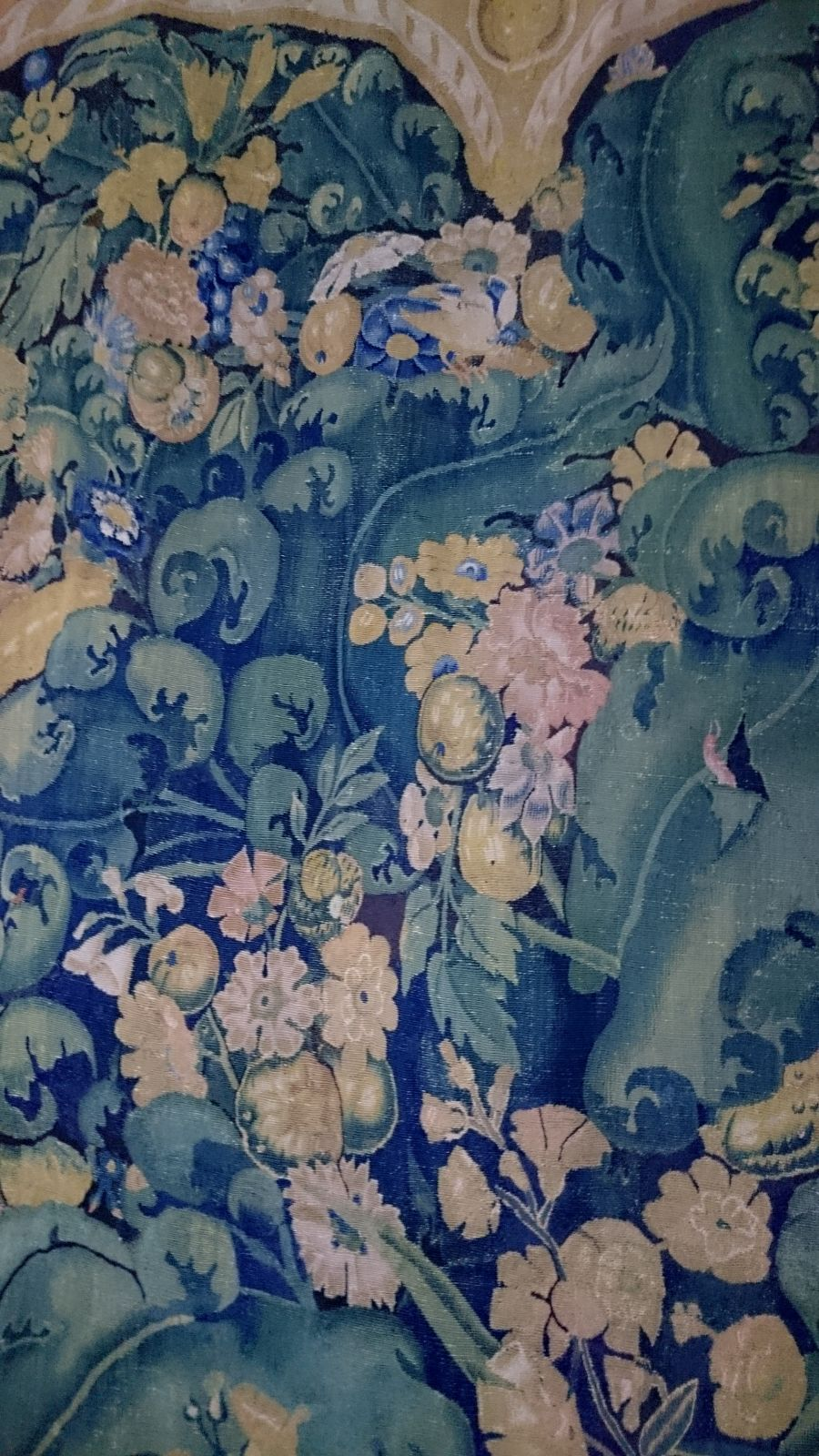 tapisserie aristoloche feuille de choux vers 1530. Black Bedroom Furniture Sets. Home Design Ideas