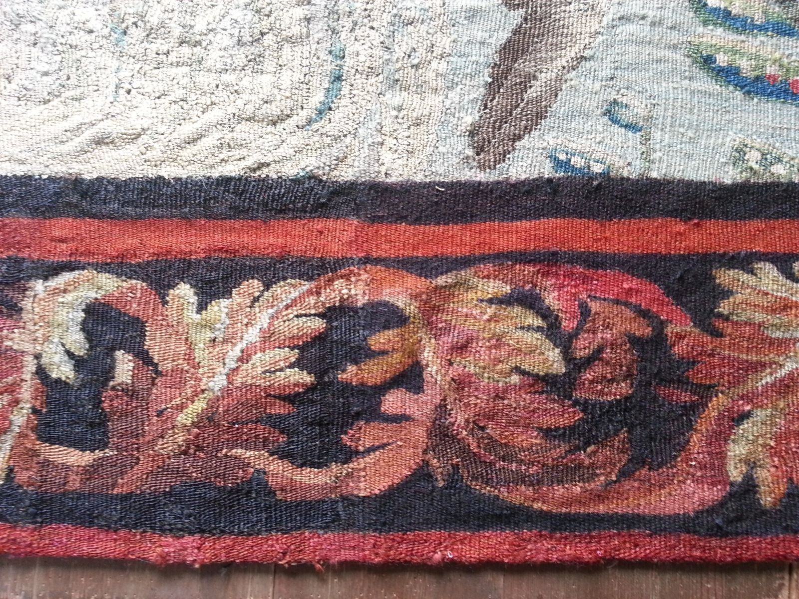 restauration d 39 une bordure d 39 une tapisserie d 39 aubusson tissage et recoloration des anciennes. Black Bedroom Furniture Sets. Home Design Ideas